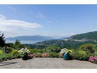 """Photo 1: 5257 ASPEN Crescent in West Vancouver: Upper Caulfeild Townhouse for sale in """"SAHALEE"""" : MLS®# V1023681"""