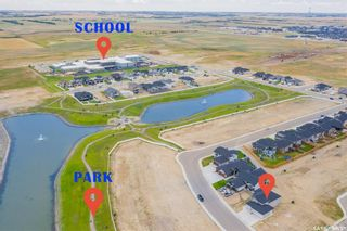 Photo 2: 233 Settler Crescent in Warman: Residential for sale : MLS®# SK867678
