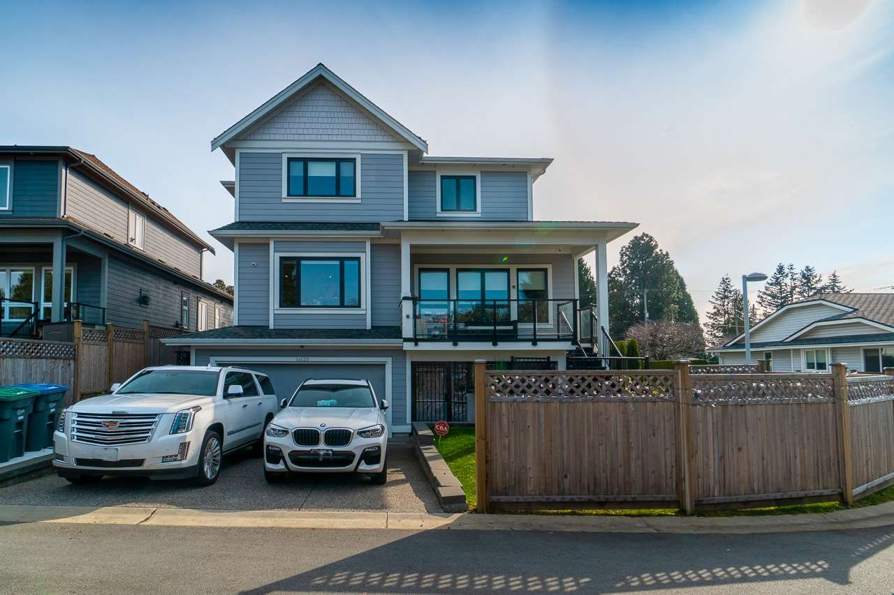 "Main Photo: 14139 16 Avenue in Surrey: Sunnyside Park Surrey House for sale in ""OCEAN BLUFF"" (South Surrey White Rock)  : MLS®# R2551452"