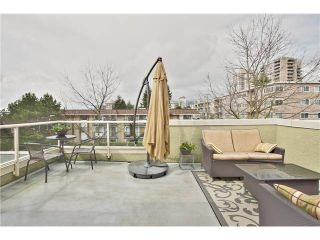 """Photo 4: 520 ST GEORGES Avenue in North Vancouver: Lower Lonsdale Townhouse for sale in """"STREAMLNE PLACE"""" : MLS®# V1055131"""
