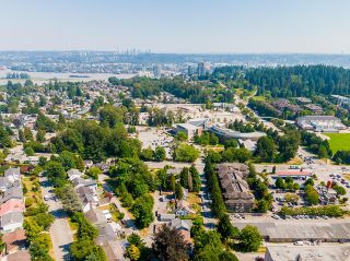 Photo 5: 809 SANGSTER Place in New Westminster: The Heights NW House for sale : MLS®# R2599541