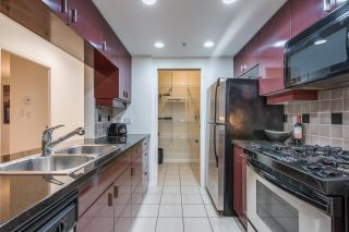 """Photo 11: 1908 1033 MARINASIDE Crescent in Vancouver: Yaletown Condo for sale in """"QUAYWEST"""" (Vancouver West)  : MLS®# R2467788"""