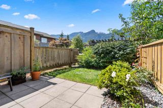 """Photo 17: 38327 SUMMITS VIEW Drive in Squamish: Downtown SQ Townhouse for sale in """"Eaglewind Natures Gate"""" : MLS®# R2483866"""