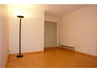 """Photo 6: 250 8300 General Currie in Richmond: Brighouse South Townhouse for sale in """"Carmelia Garden"""" : MLS®# V969184"""