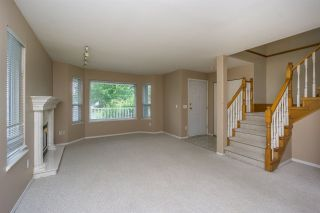 Photo 3: 26431 32 Avenue in Langley: Aldergrove Langley House for sale : MLS®# R2072232