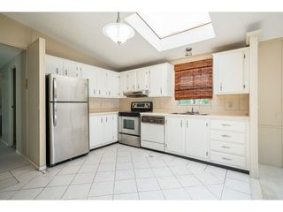 """Photo 4: 228 20071 24 Avenue in Langley: Brookswood Langley Manufactured Home for sale in """"Fernridge Park"""" : MLS®# R2600395"""