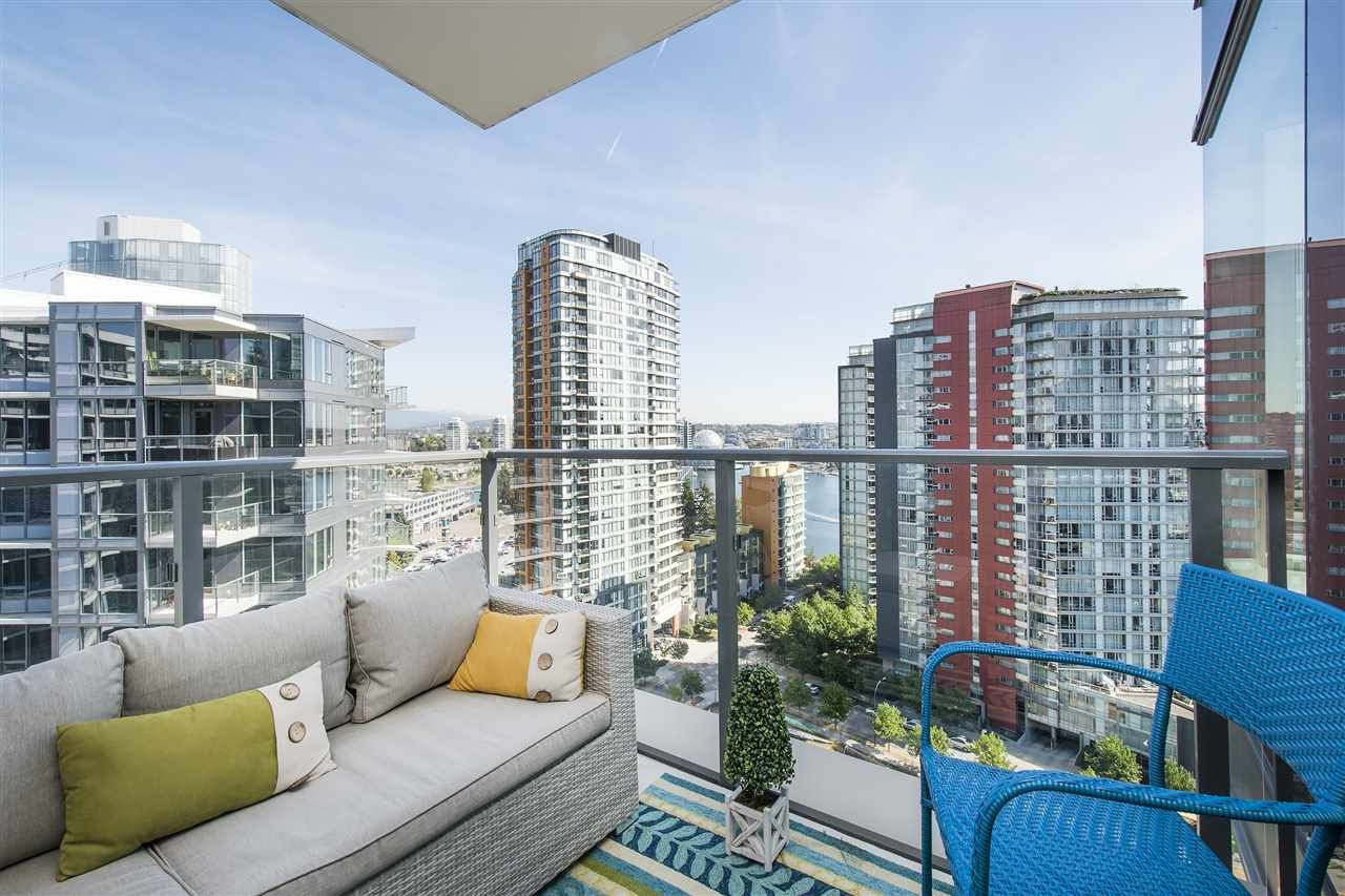 """Photo 11: Photos: 1908 68 SMITHE Street in Vancouver: Downtown VW Condo for sale in """"1 PACIFIC"""" (Vancouver West)  : MLS®# R2216431"""