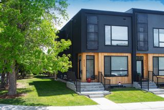 Main Photo: 5404 21 Street SW in Calgary: North Glenmore Park Row/Townhouse for sale : MLS®# A1127304