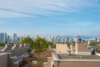 "Photo 2: 23 795 W 8TH Avenue in Vancouver: Fairview VW Townhouse for sale in ""DOVER COURT"" (Vancouver West)  : MLS®# R2457753"