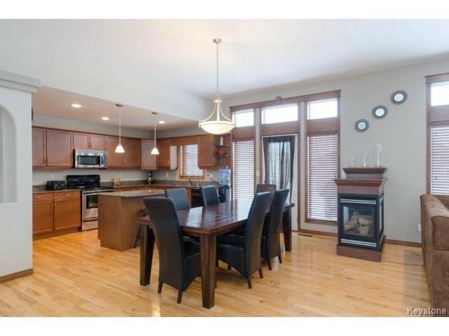 Photo 5: Photos: 45 TYLER Bay in OAKBANK: Anola / Dugald / Hazelridge / Oakbank / Vivian Residential for sale (Winnipeg area)  : MLS®# 1502001