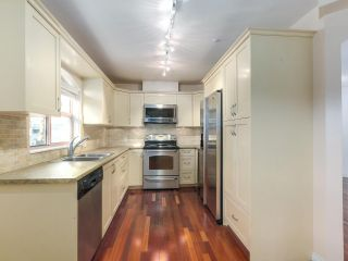 "Photo 16: 219 1869 SPYGLASS Place in Vancouver: False Creek Condo for sale in ""THE REGATTA"" (Vancouver West)  : MLS®# R2327588"