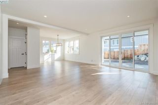 Photo 4: 2 Jedstone Pl in VICTORIA: VR View Royal House for sale (View Royal)  : MLS®# 787222