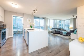 """Photo 4: 1903 188 KEEFER Place in Vancouver: Downtown VW Condo for sale in """"ESPANA"""" (Vancouver West)  : MLS®# R2347994"""
