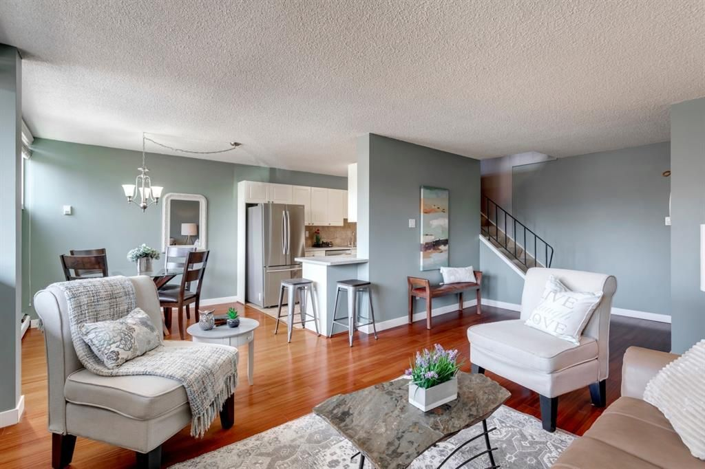Main Photo: 211 7007 4A Street SW in Calgary: Kingsland Apartment for sale : MLS®# A1086391