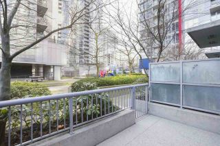 "Photo 5: 112 DUNSMUIR Street in Vancouver: Downtown VW Townhouse for sale in ""Spectrum 4"" (Vancouver West)  : MLS®# R2437895"