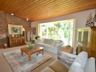 Photo 4: 3045 144TH ST in Surrey: Elgin Chantrell House for sale (South Surrey White Rock)  : MLS®# F1422073
