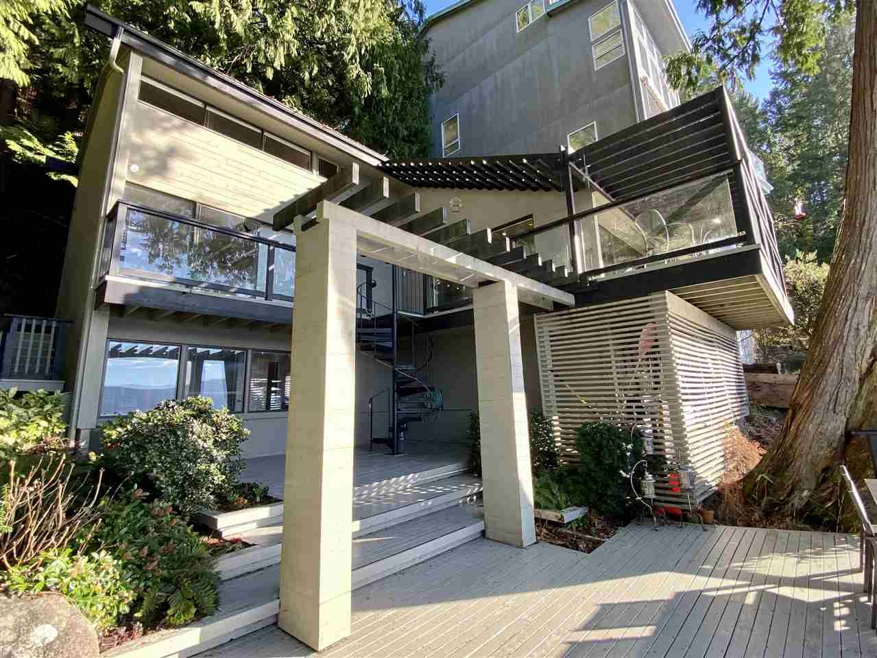 "Main Photo: 3 MONTIZAMBERT Wynd in Vancouver: Howe Sound House for sale in ""Sunset Marina"" (West Vancouver)  : MLS®# R2541414"