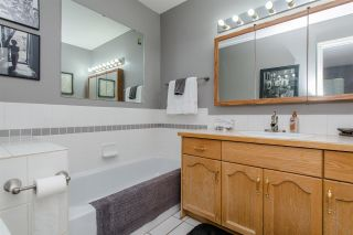 """Photo 10: 25 2023 WINFIELD Drive in Abbotsford: Abbotsford East Townhouse for sale in """"Meadow View"""" : MLS®# R2106791"""