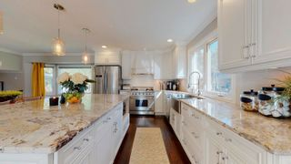 Photo 9: 144 QUESNELL Crescent in Edmonton: Zone 22 House for sale : MLS®# E4265039
