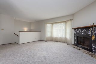 Photo 2: 587 Crestview Dr in : CV Comox (Town of) House for sale (Comox Valley)  : MLS®# 882395