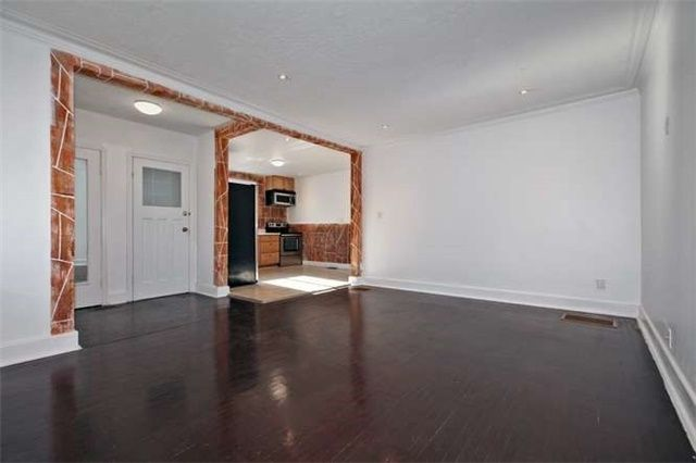 Photo 5: Photos: Main 50 S Wilson Road in Oshawa: Central House (Bungalow) for lease : MLS®# E3980743