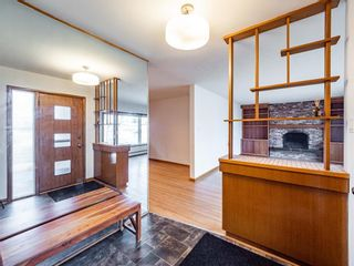 Photo 2: 17 Melville Place SW in Calgary: Mayfair Detached for sale : MLS®# A1083727