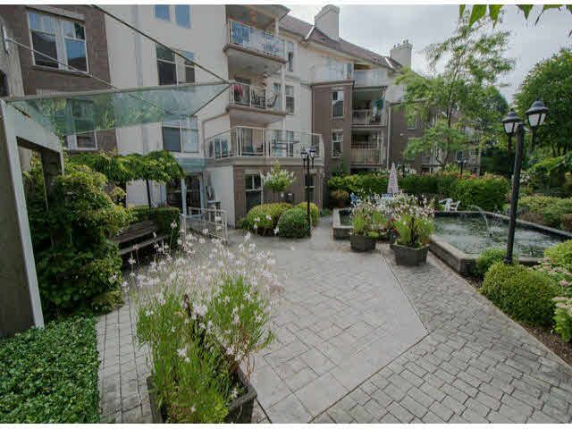 "Main Photo: 218 15350 19A Avenue in Surrey: King George Corridor Condo for sale in ""Stratford Gardens"" (South Surrey White Rock)  : MLS®# F1427454"
