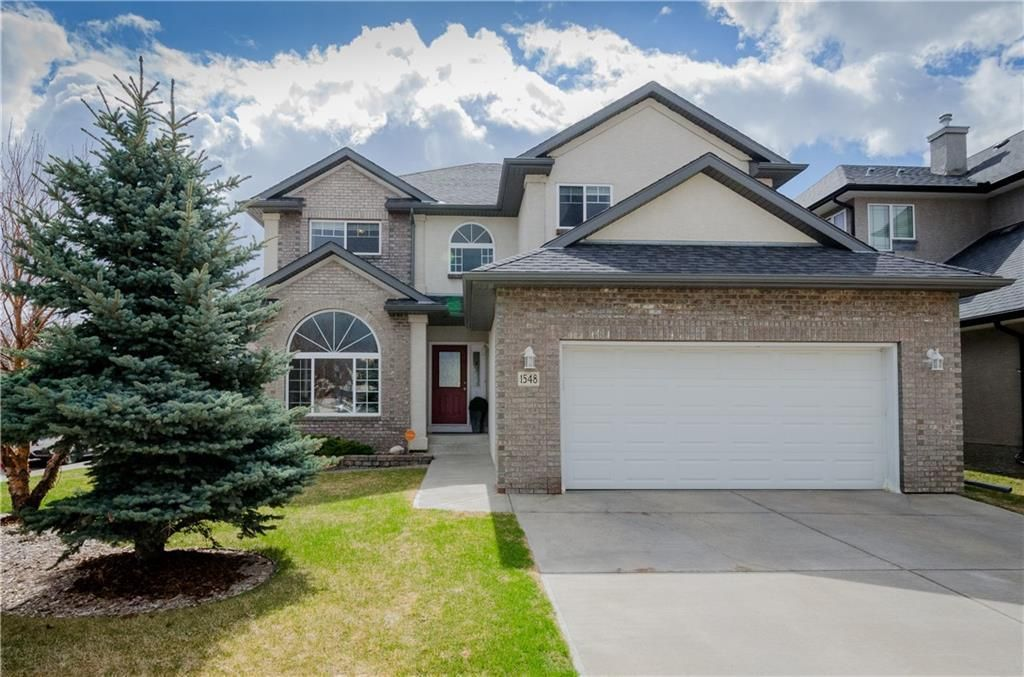 Main Photo: 1548 STRATHCONA Drive SW in Calgary: Strathcona Park Detached for sale : MLS®# C4292231