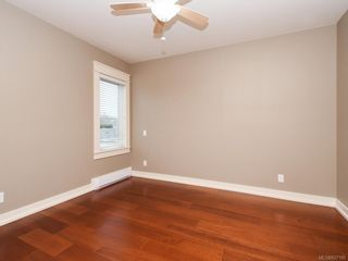 Photo 13: 2 1245 Chapman St in Victoria: Vi Fairfield West Row/Townhouse for sale : MLS®# 837185