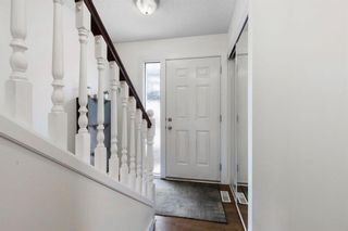 Photo 2: 102 4810 40 Avenue SW in Calgary: Glamorgan Row/Townhouse for sale : MLS®# A1136264