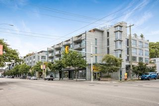 Photo 1: 428 2008 PINE Street in Vancouver: False Creek Condo for sale (Vancouver West)  : MLS®# R2609070