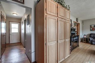Photo 4: 437 East Place in Saskatoon: Eastview SA Residential for sale : MLS®# SK818539