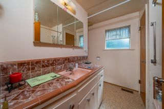 Photo 12: 1051 MARIGOLD Avenue in North Vancouver: Canyon Heights NV House for sale : MLS®# R2619158