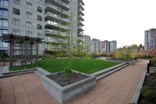 "Photo 13: 1010 888 CARNARVON Street in New Westminster: Downtown NW Condo for sale in ""MARINUS AT PLAZA 88"" : MLS®# R2534156"
