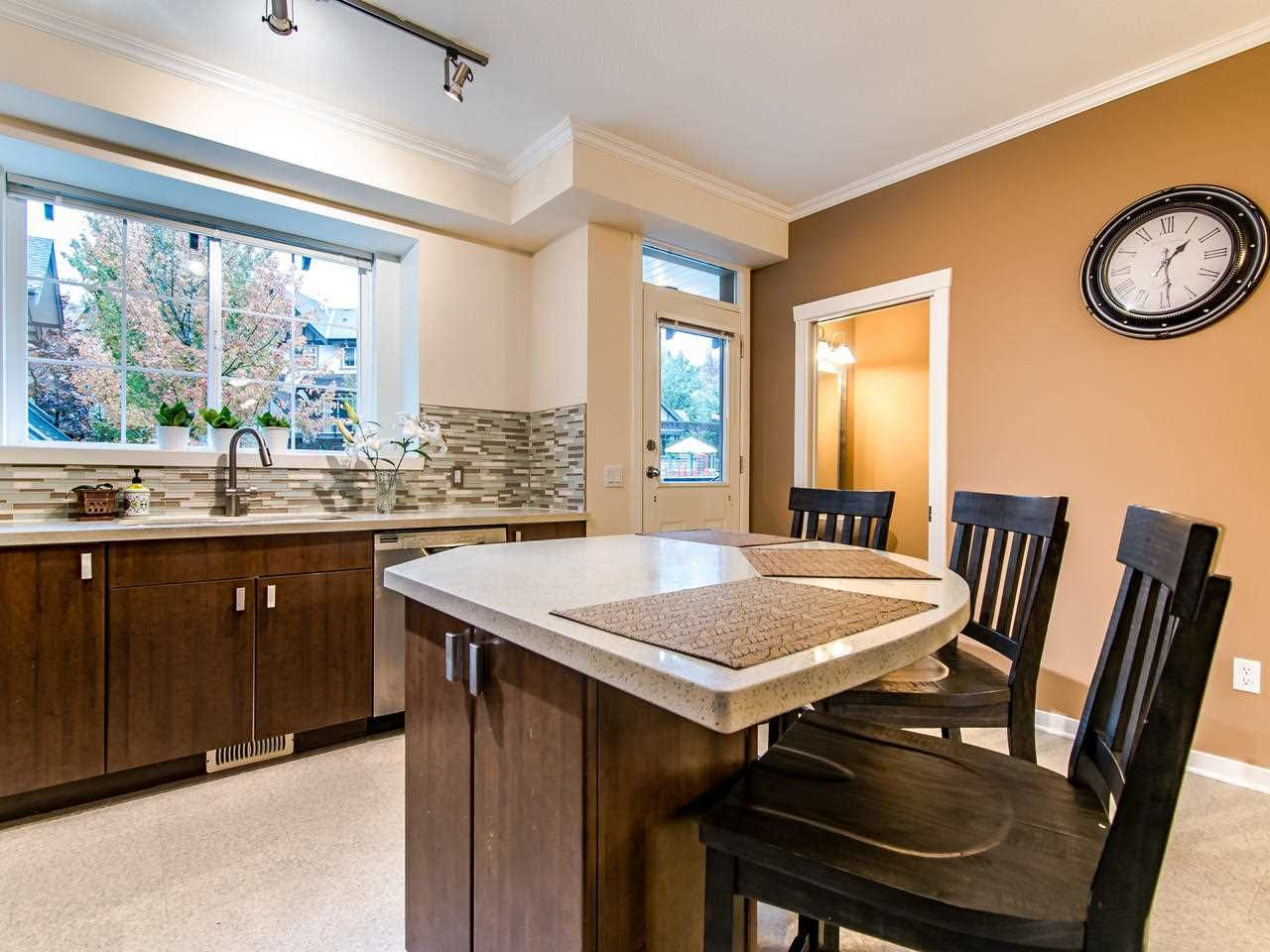 """Photo 6: Photos: 7 2200 PANORAMA Drive in Port Moody: Heritage Woods PM Townhouse for sale in """"THE QUEST"""" : MLS®# R2414883"""