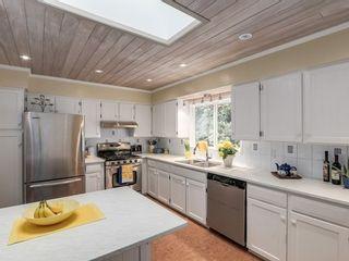 Photo 6: 12370 SEACREST Drive: Crescent Bch Ocean Pk. Home for sale ()  : MLS®# F1433450