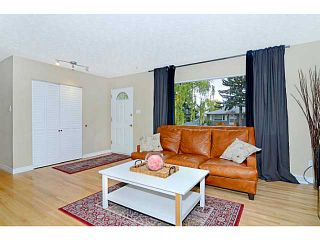 Photo 2: 656 84 Avenue SW in Calgary: Haysboro Residential Detached Single Family for sale : MLS®# C3637895