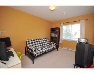 """Photo 8: 207 16233 82ND Avenue in Surrey: Fleetwood Tynehead Townhouse for sale in """"Orchards"""" : MLS®# F2918236"""