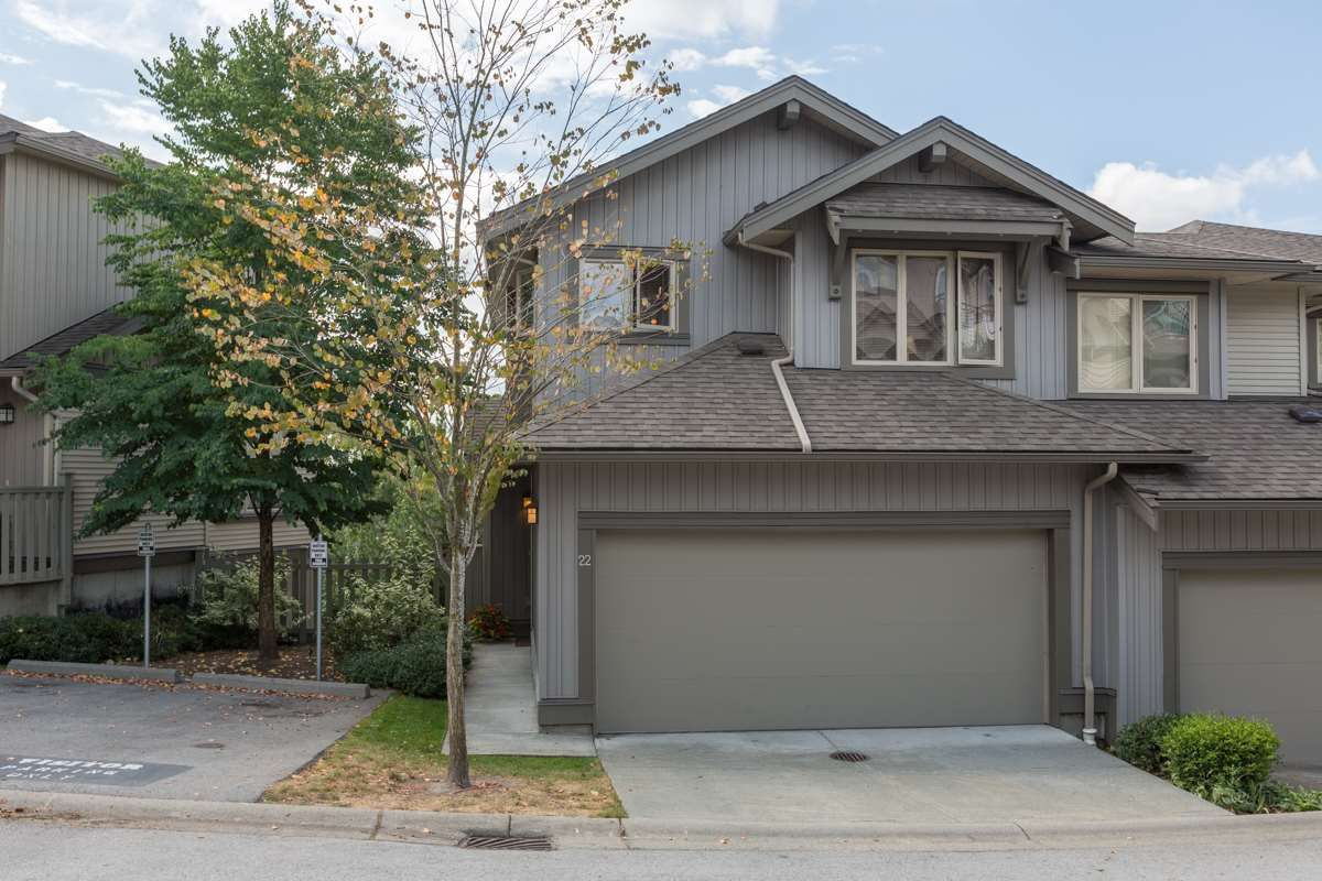 """Main Photo: 22 20326 68 Avenue in Langley: Willoughby Heights Townhouse for sale in """"Sunpointe"""" : MLS®# R2108413"""