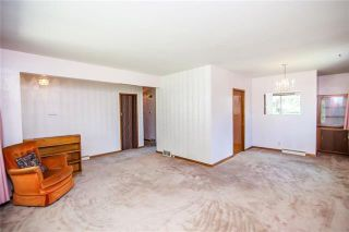 Photo 3: 1106 Hector Bay East in Winnipeg: Residential for sale (1Bw)  : MLS®# 1914960