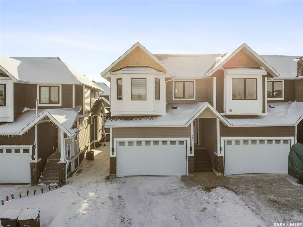 Main Photo: 217 3220 11th Street West in Saskatoon: Montgomery Place Residential for sale : MLS®# SK834838