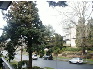 """Photo 11: 203 340 NINTH Street in New Westminster: Uptown NW Condo for sale in """"PARK WESTMINSTER"""" : MLS®# V1047319"""
