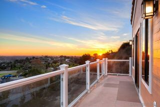 Photo 2: MOUNT HELIX House for sale : 5 bedrooms : 9879 Grandview Dr in La Mesa