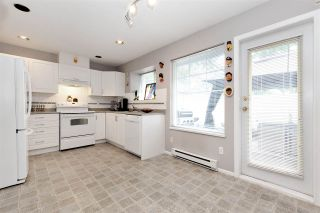 """Photo 8: 27 23085 118 Avenue in Maple Ridge: East Central Townhouse for sale in """"SOMMERVILLE GARDENS"""" : MLS®# R2490067"""