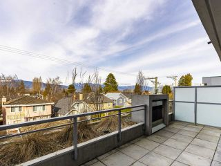 """Photo 1: 204 4375 W 10TH Avenue in Vancouver: Point Grey Condo for sale in """"The Varsity"""" (Vancouver West)  : MLS®# R2552003"""