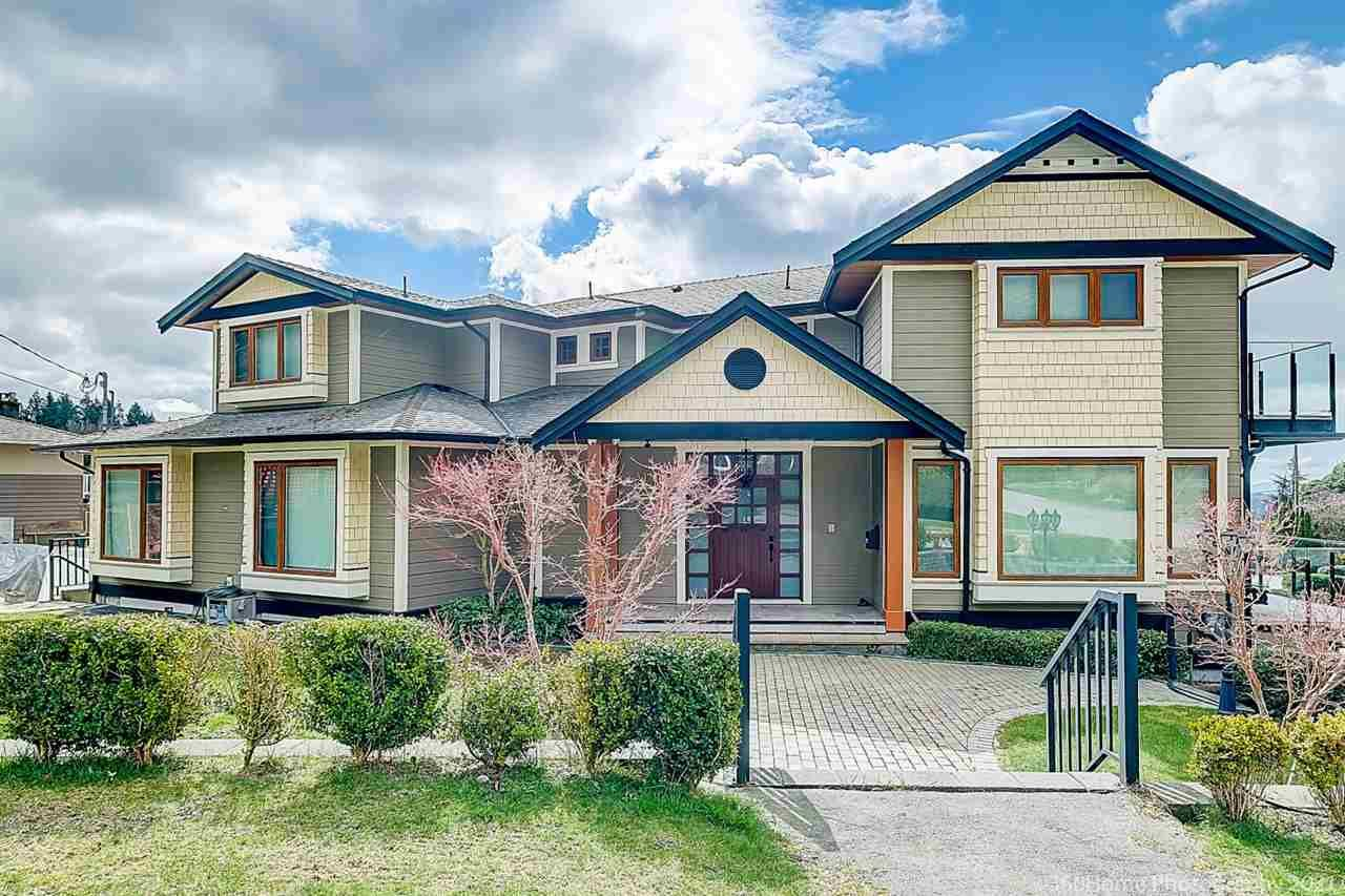 Main Photo: 541 HERMOSA Avenue in North Vancouver: Upper Delbrook House for sale : MLS®# R2560386