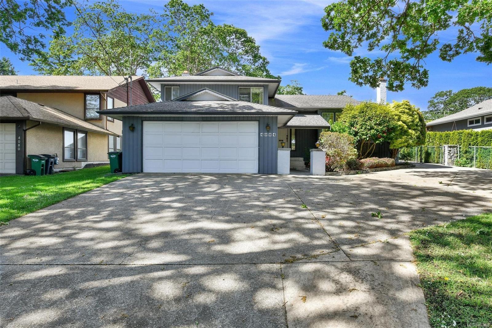Main Photo: 4084 Cedar Hill Rd in : SE Mt Doug House for sale (Saanich East)  : MLS®# 883497
