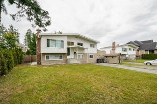 """Photo 2: 5874 123A Street in Surrey: Panorama Ridge House for sale in """"BOUNDARY PARK"""" : MLS®# R2591768"""