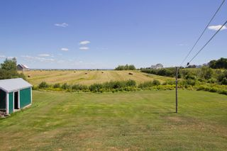 Photo 3: 107 Stanley Drive: Sackville House for sale : MLS®# M106742