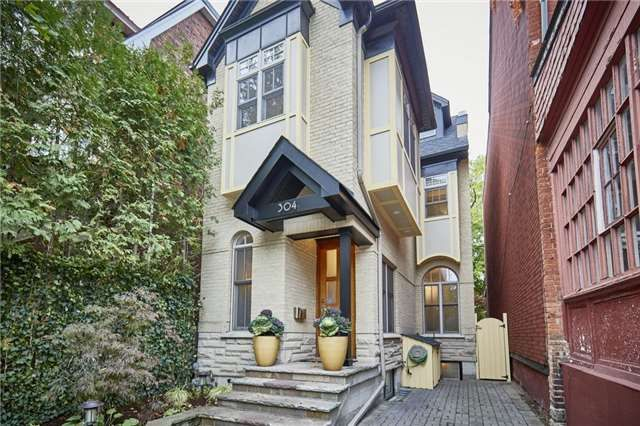 Main Photo: 304 Wellesley St E in Toronto: Cabbagetown-South St. James Town Freehold for sale (Toronto C08)  : MLS®# C3977290